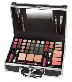 Boulevard de Beaute VIP Journey Berlin Beauty Suitcase